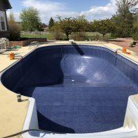 large pool step, wading pool